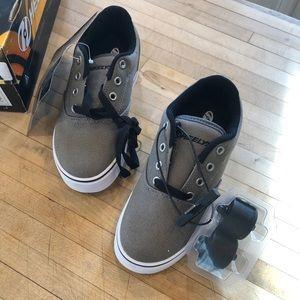 Kids Grey Heelys Size 2 Youth
